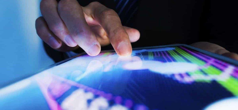Wykresy na ekranie tabletu